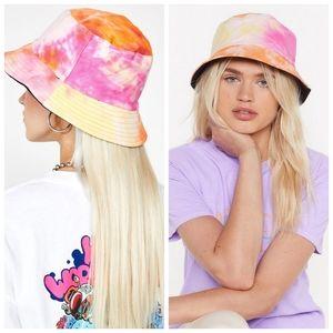 UO VSCO Blogger Tie Dye Bucket Hat